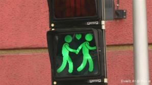 Die Stadt Wien hat ein Zeichen in Sachen Toleranz gesetzt. An 49 Ampelstandorten in der...