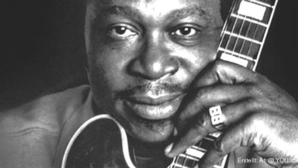 Die Promiwelt trauert um den King of Blues, B.B.King. Er starb am Donnerstag im Alter von 89...